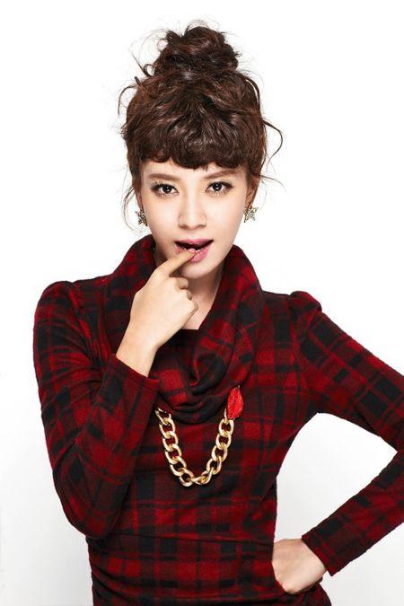 """""""Cong chua"""" Song Ji Hyo cua Running man tre trung den la - Anh 17"""