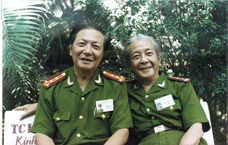 """Gap vi tuong ve huu trong phim """"Chuyen doi thuong"""" - Anh 1"""