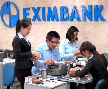 Eximbank rut het nguoi khoi Sacombank - Anh 1