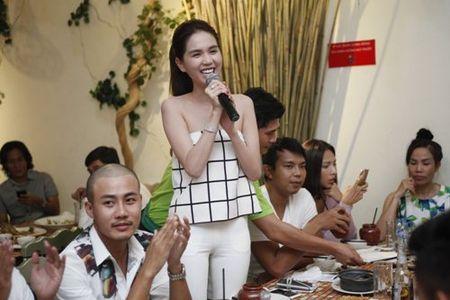Ngoc Trinh bat ngo khoe giong hat - Anh 6