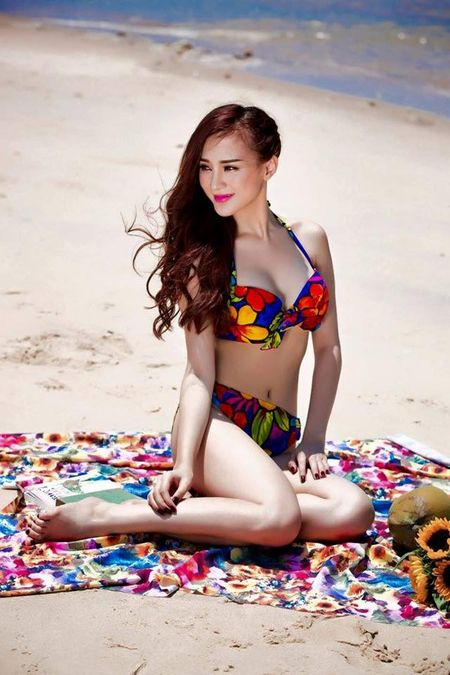 """Can canh hot girl Kelly sau 5 lan """"dao keo"""" - Anh 10"""