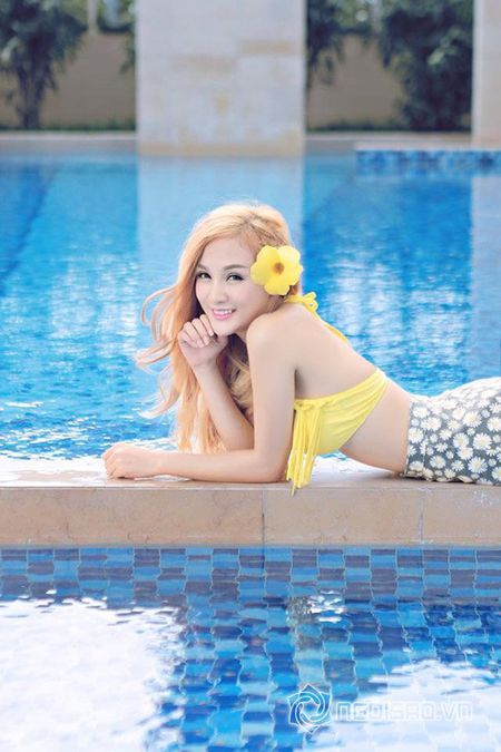 """Can canh hot girl Kelly sau 5 lan """"dao keo"""" - Anh 17"""
