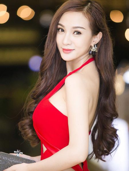 """Can canh hot girl Kelly sau 5 lan """"dao keo"""" - Anh 19"""