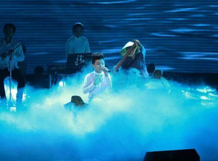 """Cong chua toc may"""" Hong Minh dang quang The Voice Kids 2015 - Anh 3"""