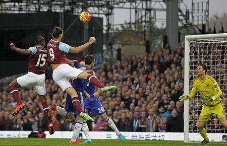 Chelsea tham bai, Mourinho bi duoi, an tram lo lung dau - Anh 8