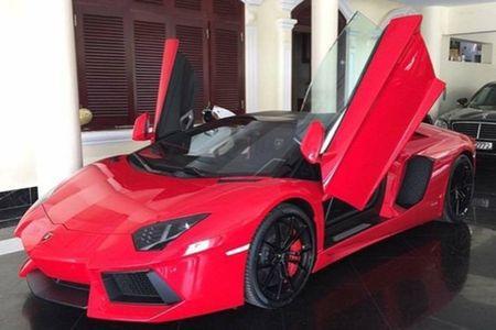 Lamborghini mui tran 24,5 ty lan banh tren pho Viet - Anh 1