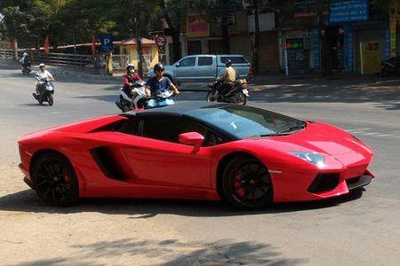 Lamborghini mui tran 24,5 ty lan banh tren pho Viet - Anh 7
