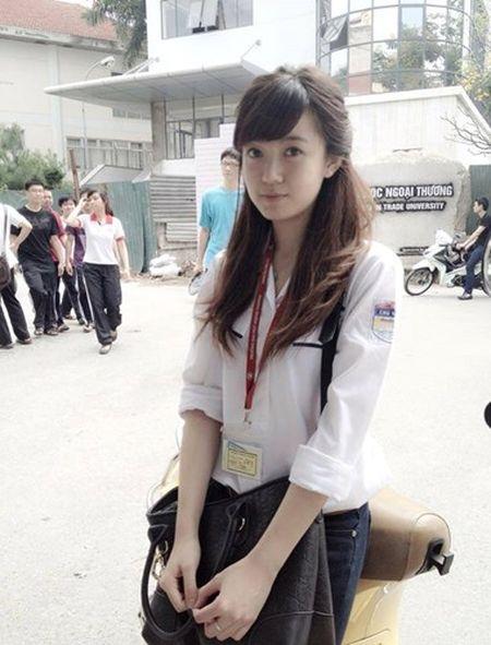 Hot girl fan MU Tu Linh khac la voi mai toc dai - Anh 11