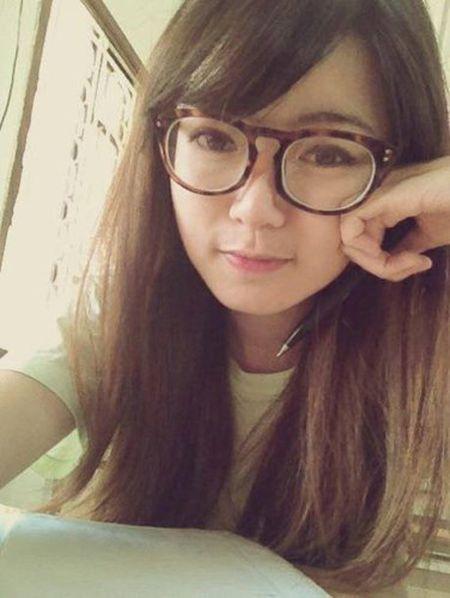 Hot girl fan MU Tu Linh khac la voi mai toc dai - Anh 13