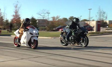 """""""Than gio"""" Suzuki Hayabusa vui dap sieu moto Kawasaki H2 - Anh 1"""