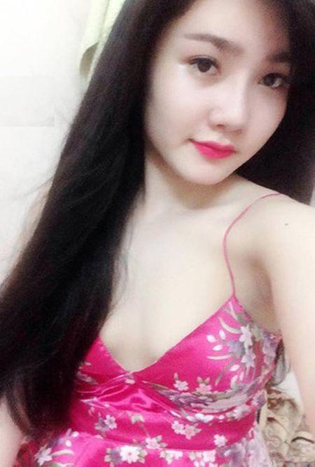 Say nang ve xinh xan cua hot girl ban chao, rua bat - Anh 5