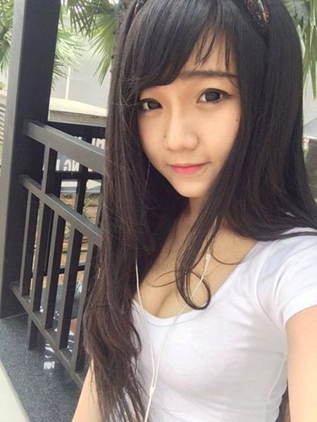 Say nang ve xinh xan cua hot girl ban chao, rua bat - Anh 8
