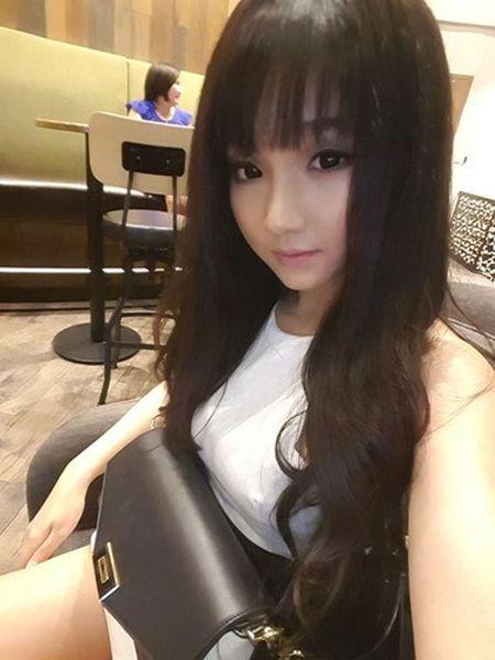 Say nang ve xinh xan cua hot girl ban chao, rua bat - Anh 9