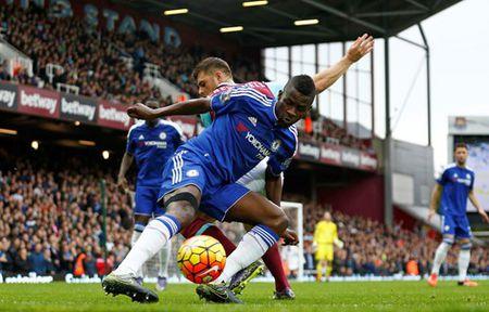 TRUC TIEP West Ham - Chelsea: Cahill dua tran dau tro lai vach xuat phat - Anh 6