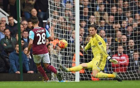 TRUC TIEP West Ham - Chelsea: Cahill dua tran dau tro lai vach xuat phat - Anh 2