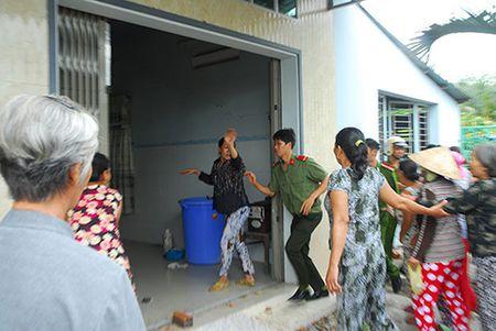 Be hui hon 14 ti dong o Tien Giang: Bat chu hui 'Tu Xinh' - Anh 1