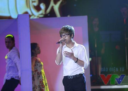 """Bai hat yeu thich: Bui Anh Tuan chinh phuc fan nu voi """"Bi mat khong ten"""" - Anh 1"""