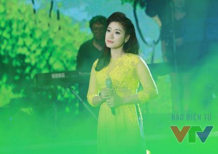 """Bai hat yeu thich: Bui Anh Tuan chinh phuc fan nu voi """"Bi mat khong ten"""" - Anh 7"""