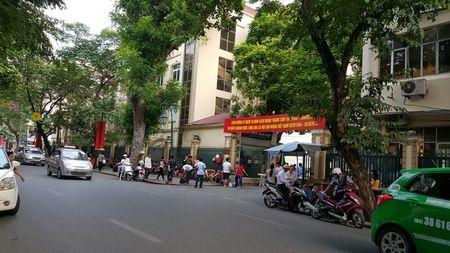Duong pho Ha Noi the nao sau mot thang cong an tuan tra bang xe dap? - Anh 10