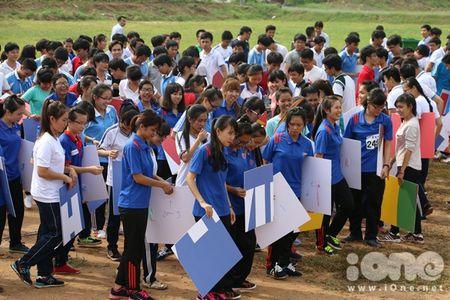 400 sinh vien xep tranh ASEAN hoi nhap xac lap ky luc Viet Nam - Anh 2