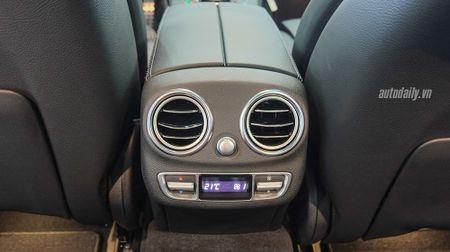 Anh chi tiet Mercedes C300 AMG 2015 tai Viet Nam - Anh 15