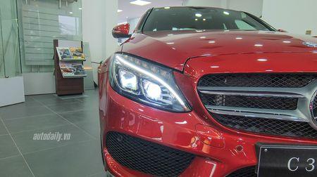 Anh chi tiet Mercedes C300 AMG 2015 tai Viet Nam - Anh 4