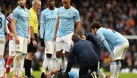 BAN TIN The thao 19H: Man City mat 5 tru cot truoc derby - Anh 1