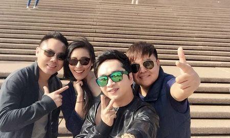 """Bang Cuong """"tay trong tay"""" ben nguoi tinh o Uc - Anh 1"""
