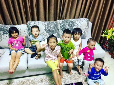 Hoa hau Pham Huong khoe anh ve que dam dang don dep - Anh 4