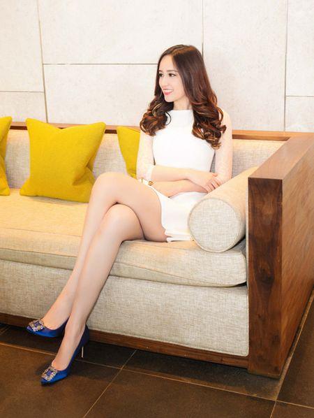 """Mai Phuong Thuy """"chuong"""" mot dam ngan khoe chan dai thang tap - Anh 6"""