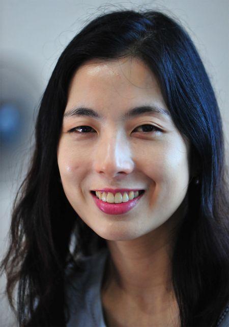 "TS Youn Sungeun: ""Tranh dua so thich ca nhan vao quan diem phe binh!"" - Anh 1"