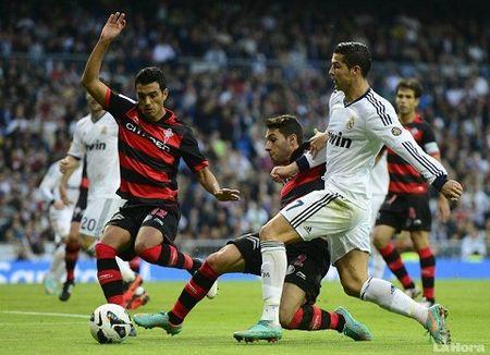 Celta Vigo vs Real Madrid (21h00 24/10): Giai ma hien tuong - Anh 1