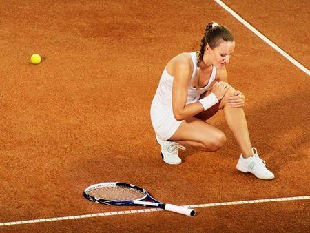 Tranh chan thuong khi choi tennis - Anh 1