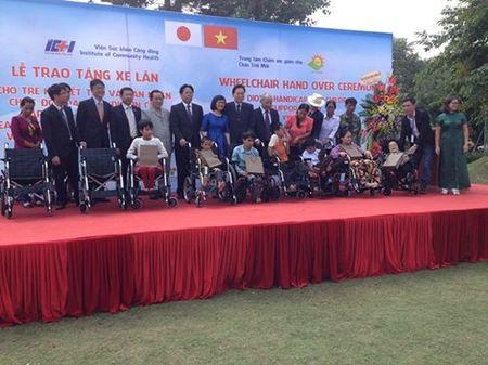 Cuu Thu tuong Nhat Ban trao tang 50 xe lan o Viet Nam - Anh 1