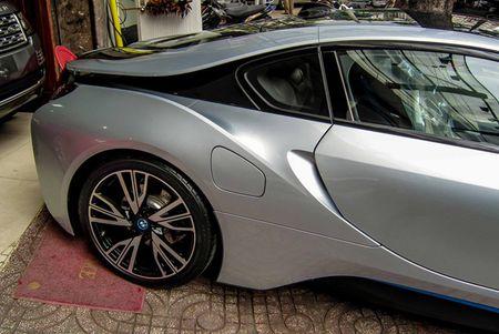 BMW i8 mau bac dau tien gia 5,5 ty dong o Sai Gon - Anh 4