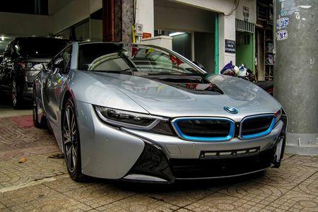 BMW i8 mau bac dau tien gia 5,5 ty dong o Sai Gon - Anh 7