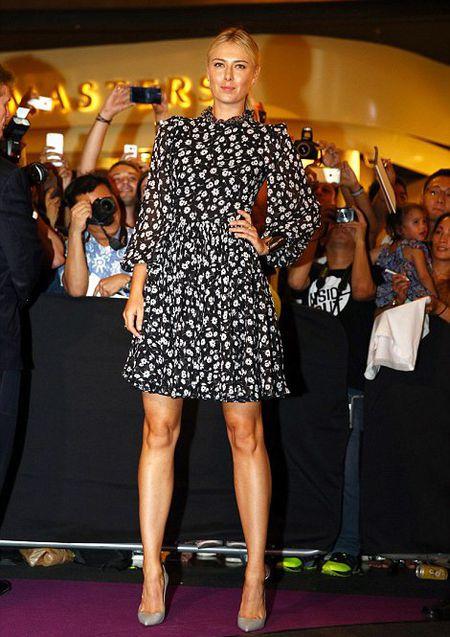 Sharapova va dan nguoi dep banh ni hao huc du WTA Finals - Anh 1