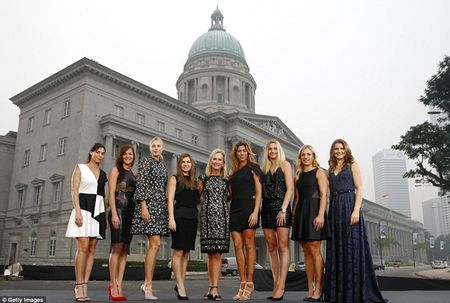 Sharapova va dan nguoi dep banh ni hao huc du WTA Finals - Anh 2