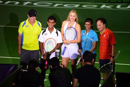 Sharapova va dan nguoi dep banh ni hao huc du WTA Finals - Anh 8