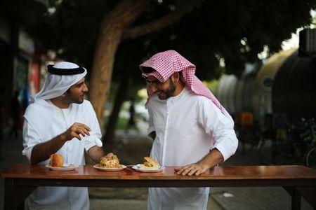 10 trai nghiem gia re cho khach du lich bui o Dubai - Anh 4