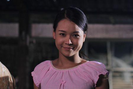 Tao hinh xau xi cua Thuy Trang trong phim moi - Anh 7