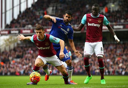Chelsea thua West Ham 1-2 trong the tran mat nguoi - Anh 11