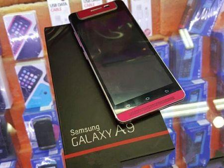 Samsung Galaxy A9 duoc trang bi camera xoay - Anh 1