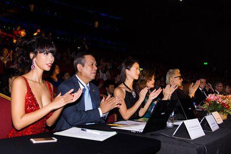 Ha Anh rang ro dem chung ket Miss Global 2015 - Anh 2