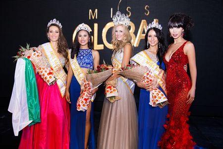 Ha Anh rang ro dem chung ket Miss Global 2015 - Anh 8