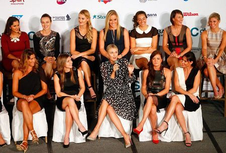 Sharapova tao dang nhu sieu mau truoc them WTA Finals - Anh 3