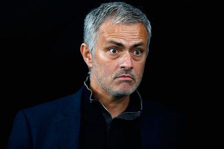 Jose Mourinho: 'Anh khong ton trong toi thi sao toi phai ton trong anh?' - Anh 1