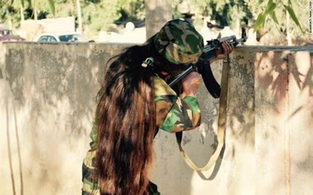 Tu ca sy noi tieng den nu chien binh qua cam chong IS - Anh 2