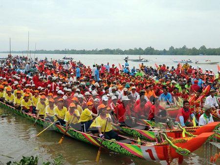 Soi dong Ngay hoi van hoa-the thao va du lich dong bao Khmer - Anh 1