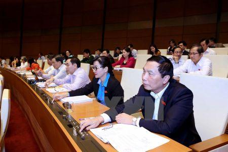 Quoc hoi thong qua Luat Trung cau dan y, thi hanh tu 1/7/2016 - Anh 1